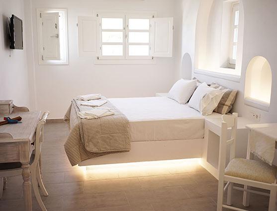 folegandros-hotel-summer-greece-santorini
